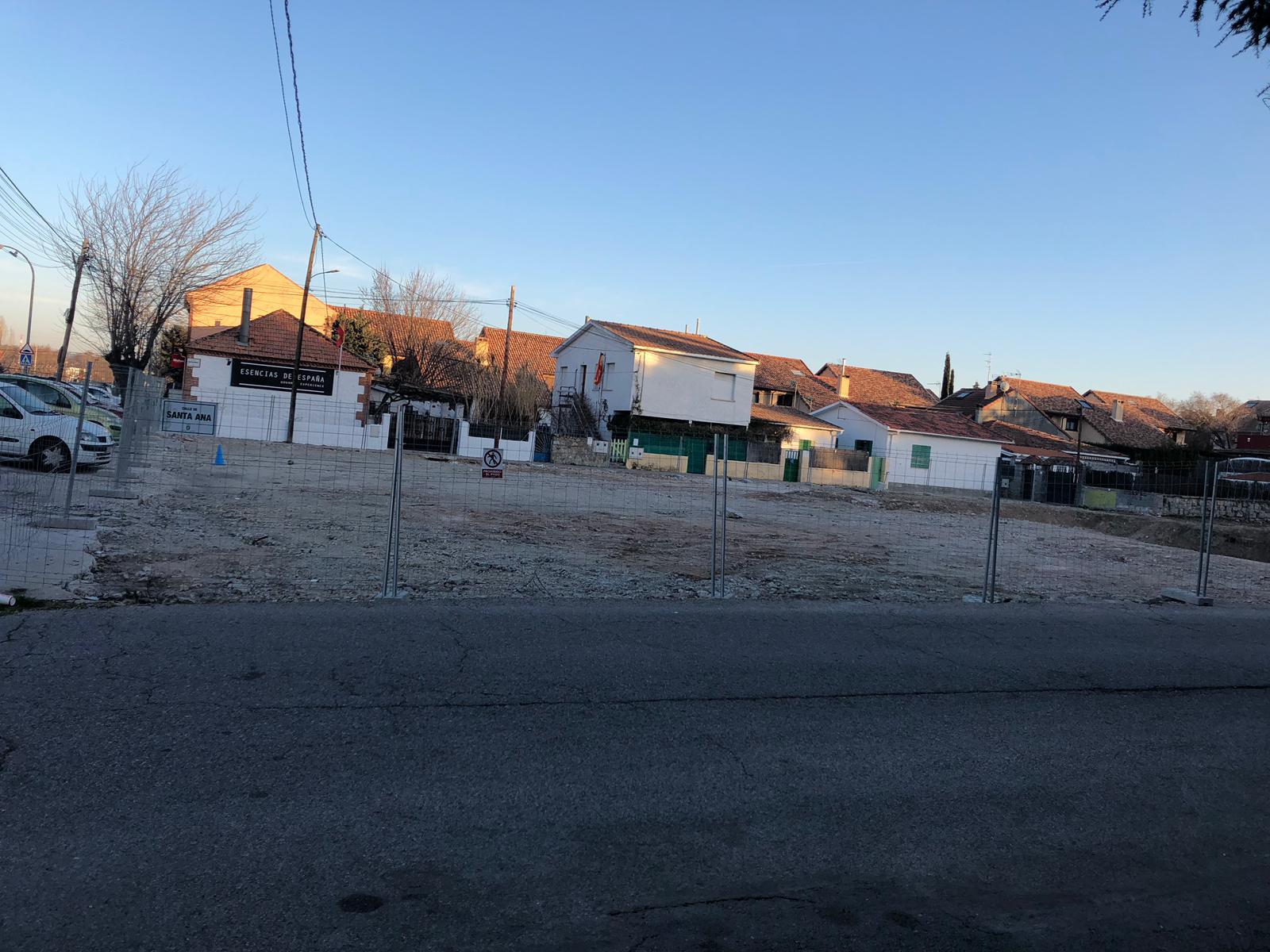 Las luces y sombras de la construcción de la gasolinera en Los Negrales